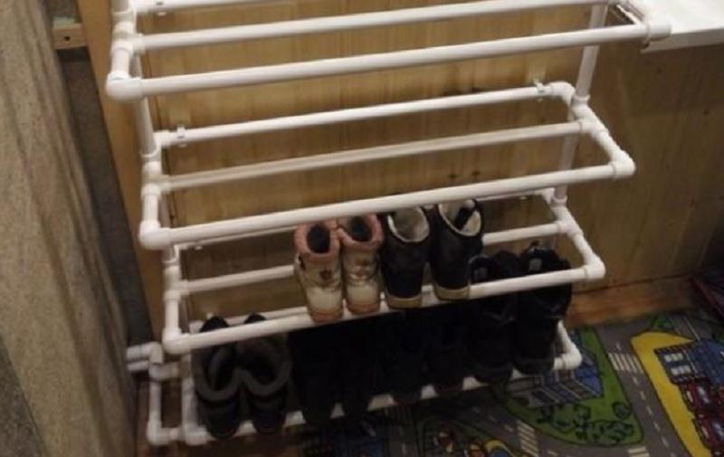 хранение обуви на системе отопления