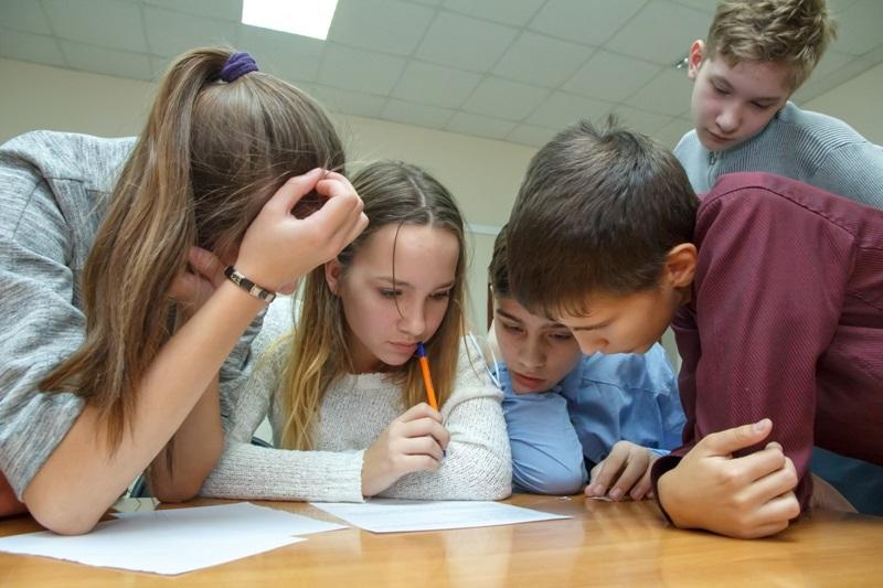 школьники решают интересные задачи