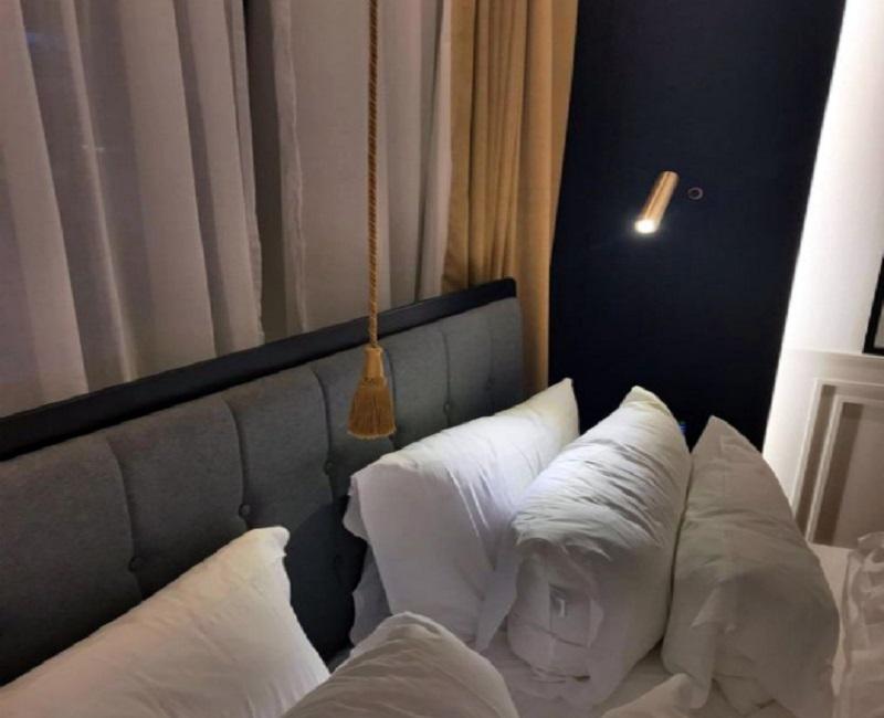 выключатель у кровати