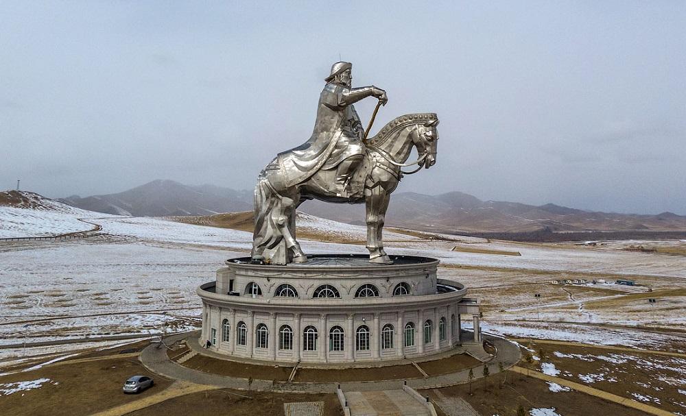 известные статуи чингисхан