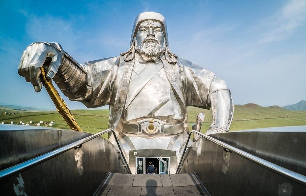 статуя чингисхана смотровая