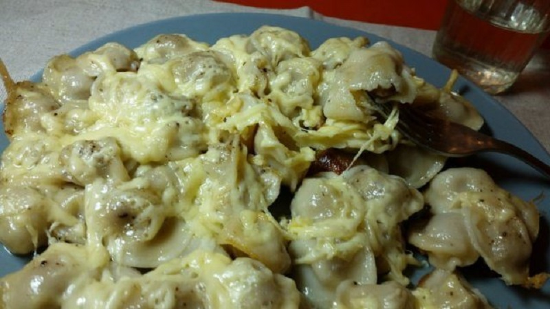 пельмени в мультиварке с сыром