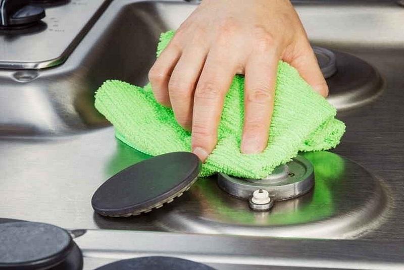 как почистить конфорки