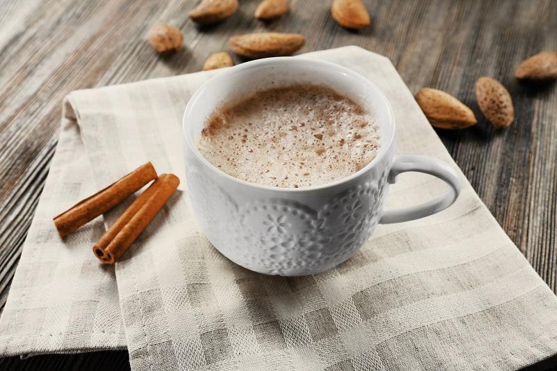 Какао со сгущенкой и шоколадом
