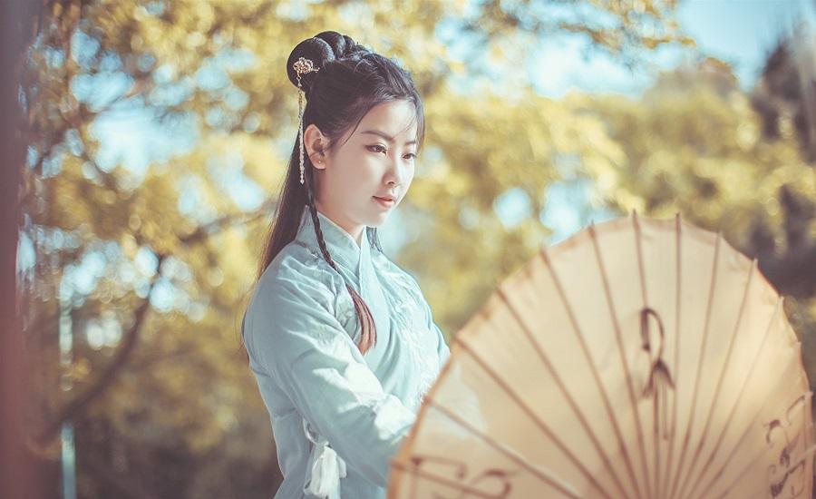 китаянка с зонтом