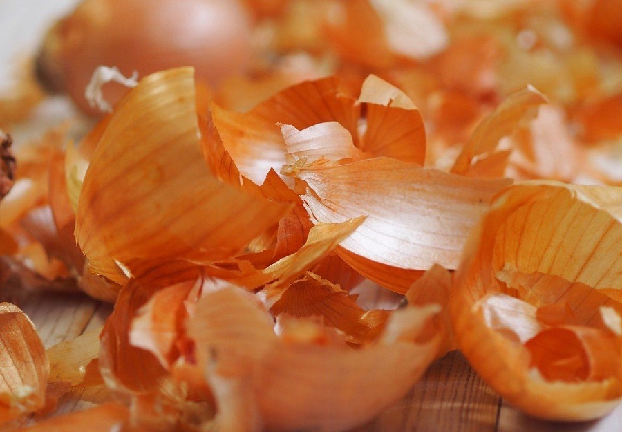 луковая шелуха для заготовки чеснока