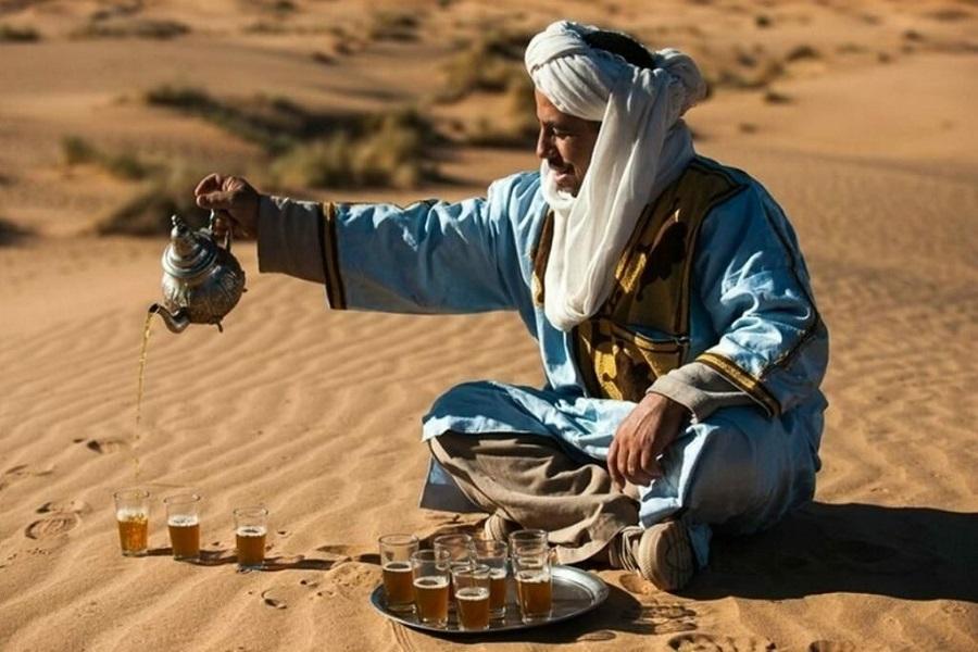 бедуины пьют кофе