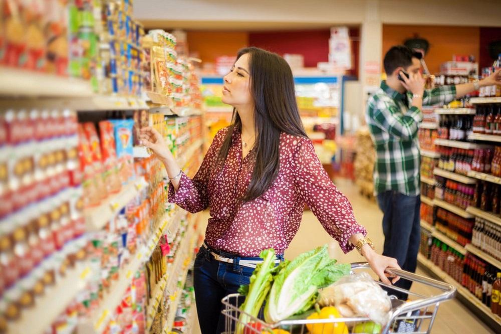 средние полки супермаркета