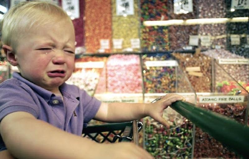 детская истерика в магазине