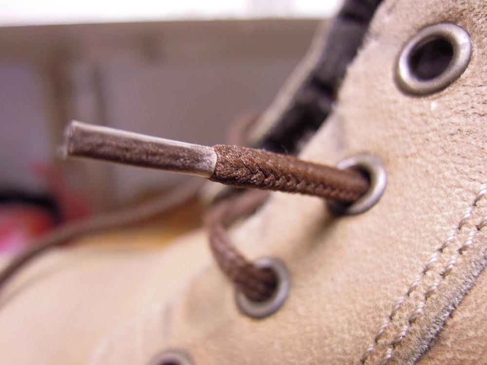 эглет на шнурке
