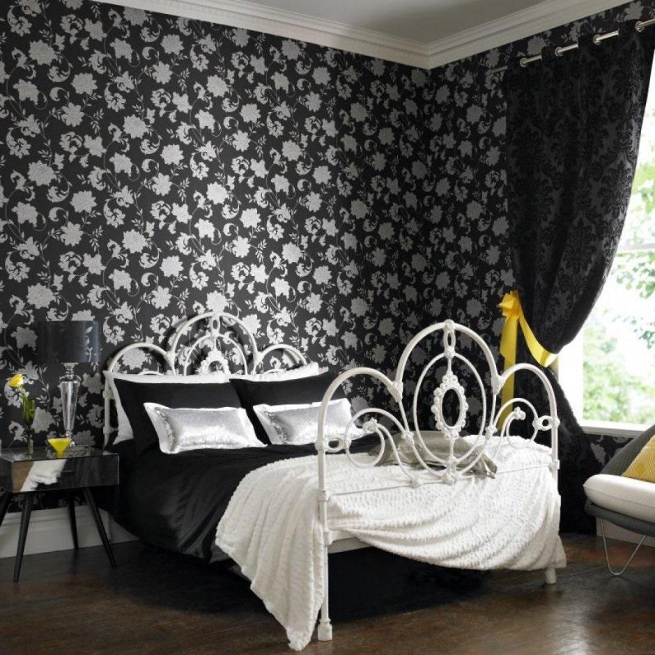 обои для маленькой комнаты с густым рисунком