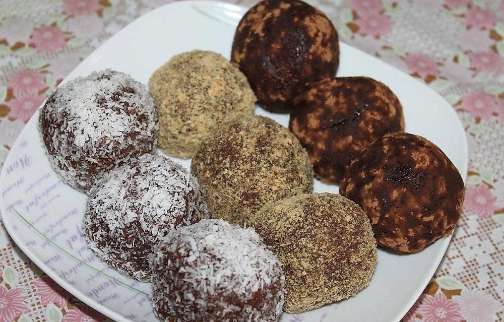 пирожное картошка в кокосовой стружке и какао