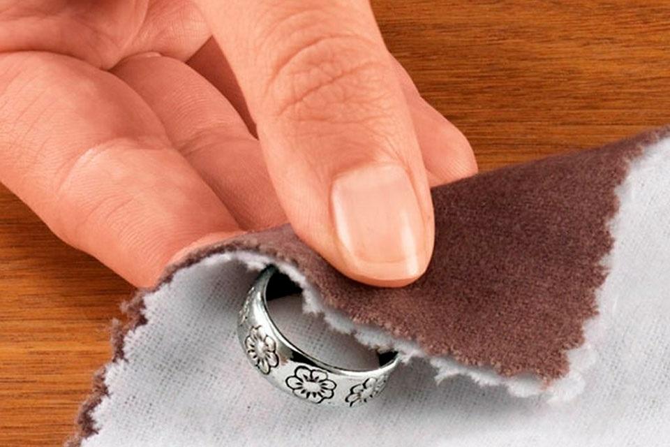 очистить серебро уксусом