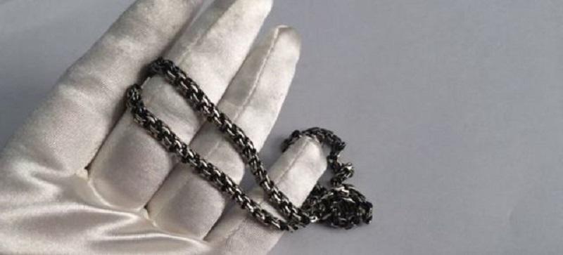 почему почернело серебро пот