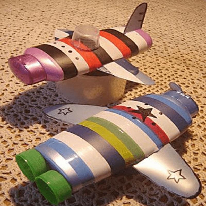 Детская поделка — самолетик