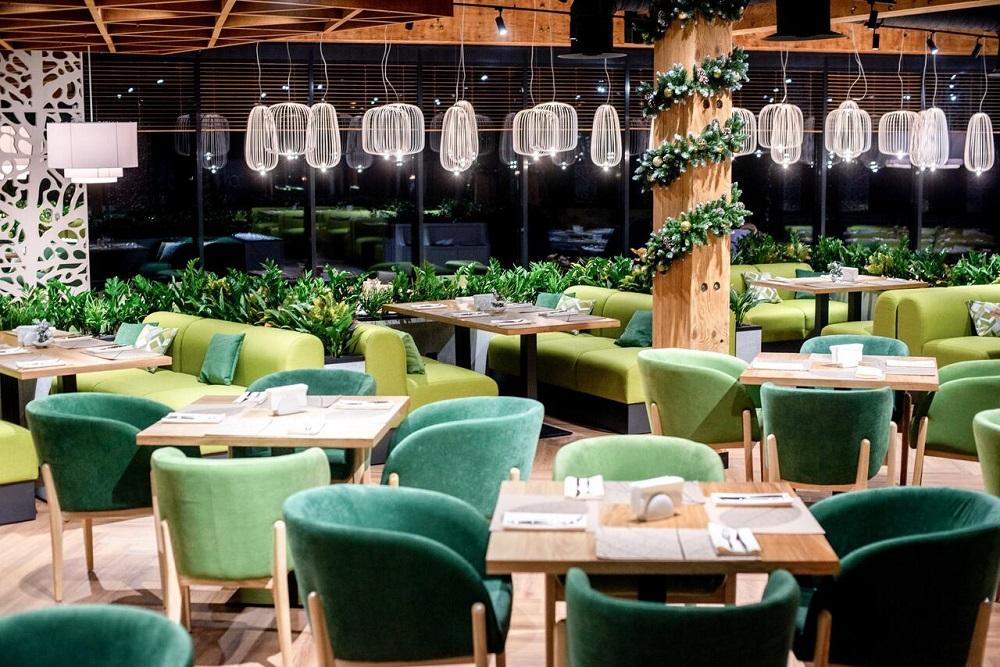 ресторан в зеленых оттенках