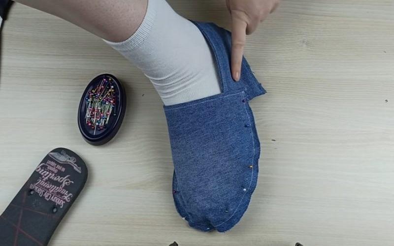 как превратить старые тапочк в новую обувь