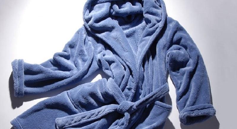 старый махровый халат