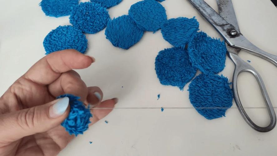 сшить шарики из кружочков бахрома