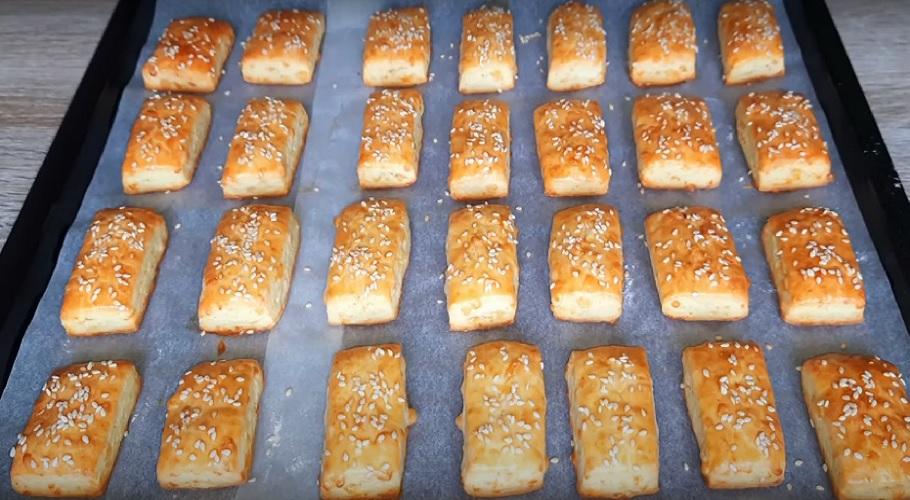 готовое сырное печенье