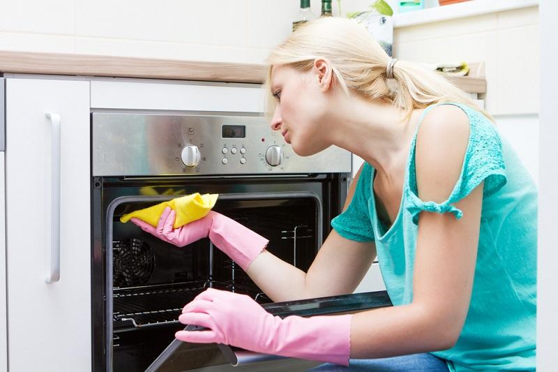 почистить духовку