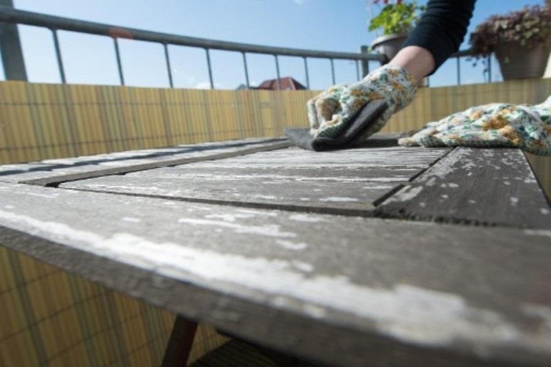 чистка садовой мебели