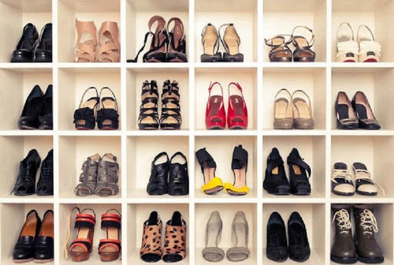 полки с обувью