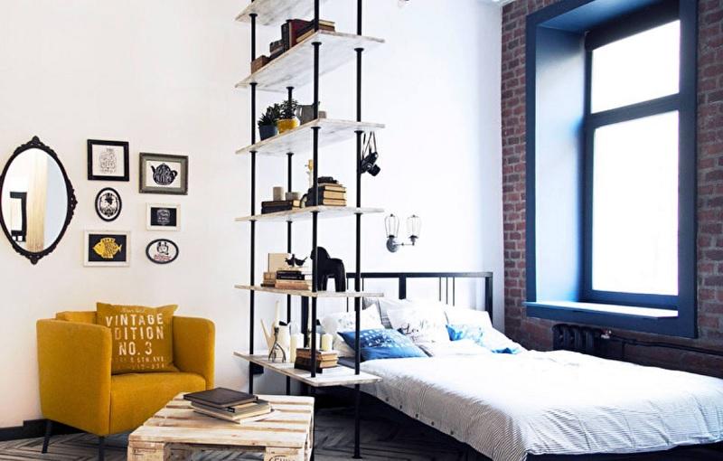 Зонирование однокомнатной квартиры с помощью стеллажа или шкафа